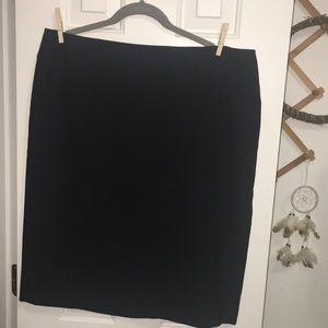 Anne Klein size 16 black pencil skirt